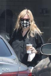 Kirsten Dunst in Daisy Dukes - Los Angeles 06/02/2021