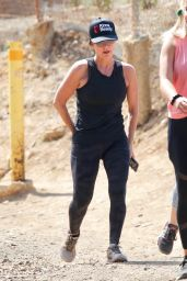 Kyle Richards - Out For a Hike in Studio City 06/05/2021