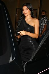 Kylie Jenner – Craig's in West Hollywood 06/04/2021