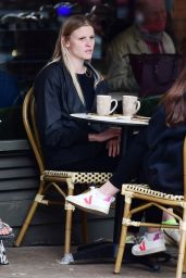 Lara Stone - Out in London