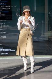Lisa Hyde – Afterpay Australian Fashion Week Street Style in Sydney 06/01/2021