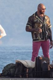 """Madelyn Cline and Kate Hudson - """"Knives Out 2"""" Set in Spetses Island, Greece 06/29/2021"""