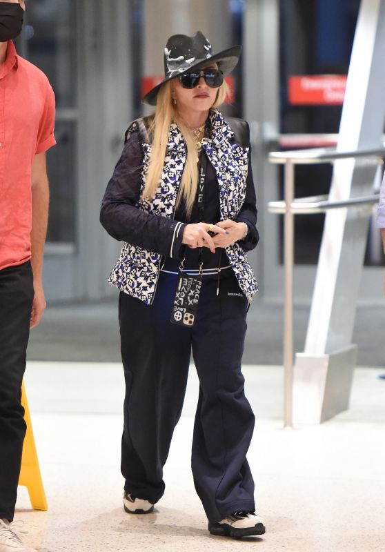 Madonna - JFK Airport in New York 06/05/2021