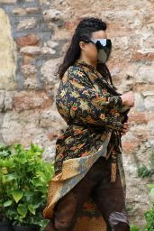 """Michelle Rodriguez at Wells Cathedral in Somerset - """"Dungeons and Dragons"""" Set 06/10/2021"""