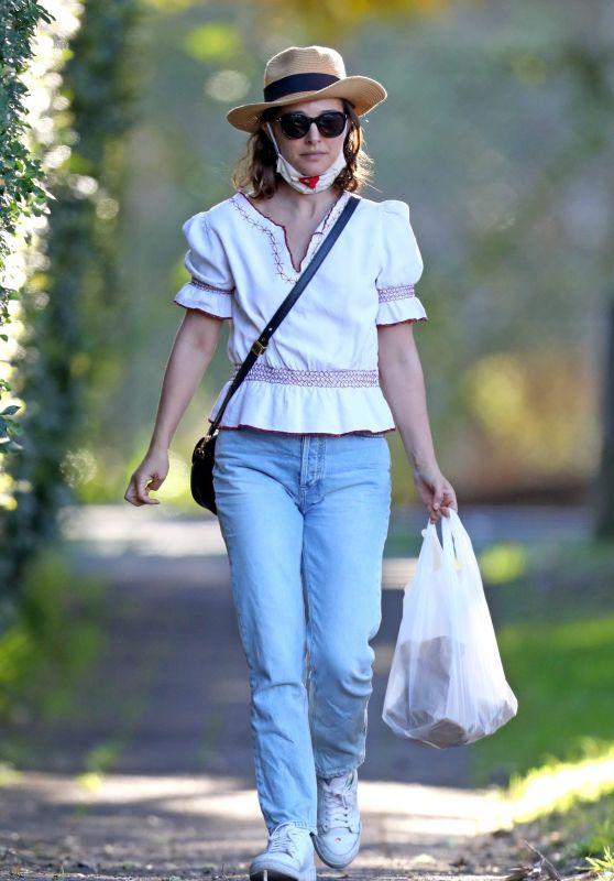 Natalie Portman - Out in Sydney 06/20/2021