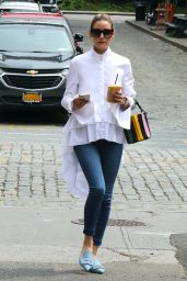 Olivia Palermo in Skinny Jeans and White Blouse - New York 06/01/2021