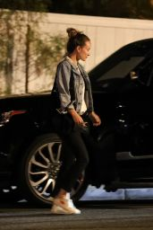 Olivia Wilde - San Vicente Bungalows in West Hollywood 06/23/2021