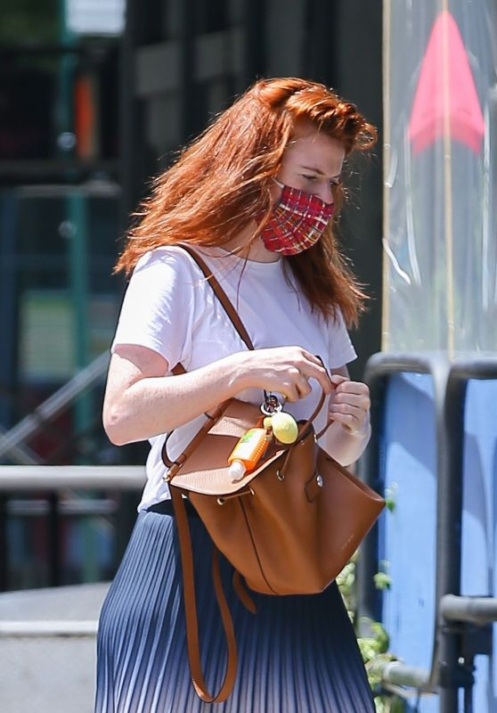 Rose Leslie Wears Gucci Sneakers - New York 06/25/2021