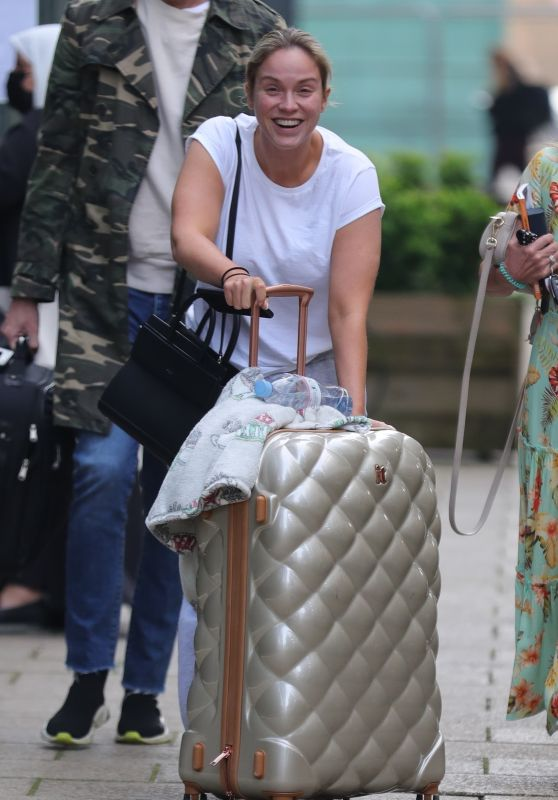 Vicky Pattison Make Up Free at Leeds Docks 06/07/2021