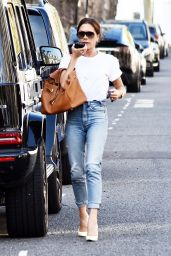 Victoria Beckham - Out in London 06/08/2021
