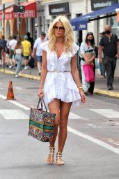 Victoria Silvstedt - Shopping in Saint Tropez 06/19/2021