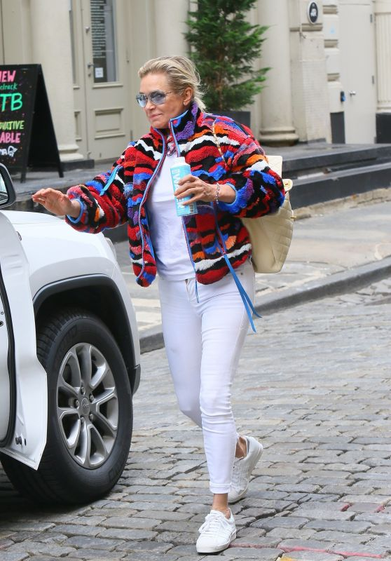 Yolanda Hadid in Casual Outfit - New York 06/01/2021