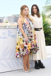 """Abigail Breslin - """"Stillwater"""" Photocall at the 74th Cannes Film Festival 07/09/2021"""