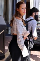 Adèle Exarchopoulos Wearing Louis Vuitton Slippers - Hotel Majestic in Cannes 07/13/2021