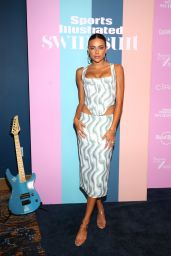 Ally Courtnall – Sports Illustrated Swimsuit 2021 Issue Concert in Miami 07/24/2021