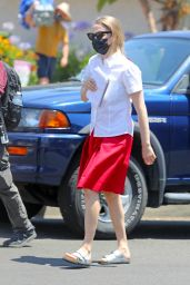 """Amanda Seyfried - """"The Dropout"""" Filming Set in Los Angeles 07/09/2021"""