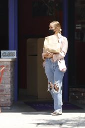 Ashlee Simpson - Out in Los Angeles 07/23/2021