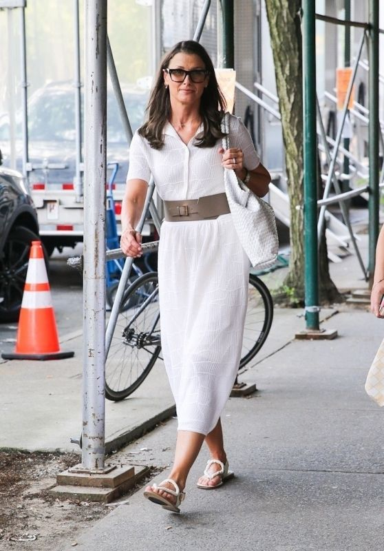 """Bridget Moynahan - """"And Just Like That"""" Filming Set in New York 07/27/2021"""