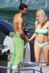 Caroline Stanbury With Her Boyfriend Sergio Carrallo on Holiday in Mykonos 07/02/2021