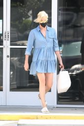 Charlize Theron - Out in Los Angeles 07/22/2021