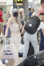 Courtney Stodden and Chris Sheng - Airport in Washington DC 07/20/2021