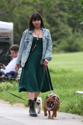 Daisy Lowe - Out in Primrose Hill Park 07/01/2021