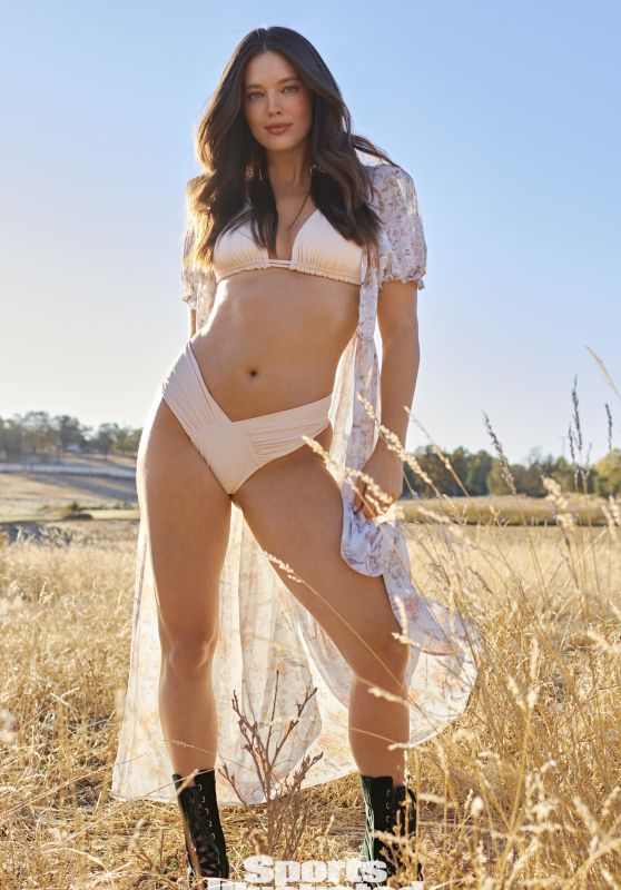 Emily DiDonato - Sports Illustrated Swimsuit Issue 2021 (more photos)