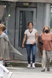 """Halle Berry - """"Mothership"""" Set in Plainville 07/19/2021"""