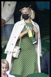 Holly Willoughby - Wimbledon Tennis Championship in London 07/05/2021