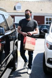 Jennifer Lopez and Ben Affleck - Shopping at the Country Mart in Brentwood 07/09/2021
