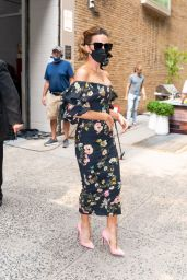 Kate Beckinsale in a Floral Printed Dress - New York City 07/21/2021