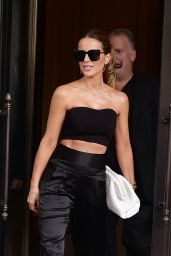 Kate Beckinsale - Leaving Her NYC Hotel 07/22/2021