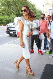 Kate Beckinsale - Out in New York 07/22/2021