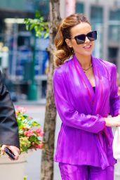 Kate Beckinsale - Shopping on 5th Avenue in NYC 07/21/2021