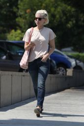 Kate Mara - Out in Los Feliz 07/12/2021