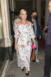"""Katy Perry at """"Le Grand Véfour"""" in Paris 07/07/2021"""