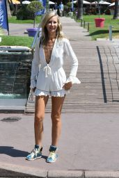 Lady Victoria Hervey - Out in Cannes 07/11/2021