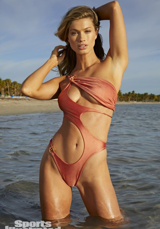 Maggie Rawlins – Sports Illustrated Swimsuit Edition 2021
