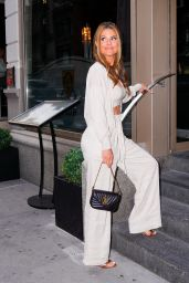 Maria Menounos Chic Style - Hunt & Fish Club in New York 07/28/2021