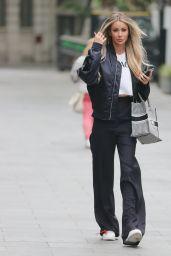 Olivia Attwood Street Style - London 07/02/2021