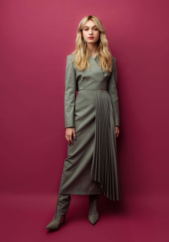 Olivia Scott Welch - Whop What Wear July 2021
