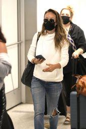 Olivia Wilde - Airport in Los Angeles 07/19/2021