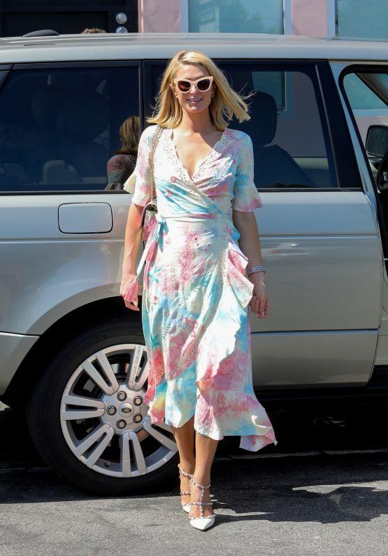 Paris Hilton and Carter Reum- Shopping in Malibu 07/04/2021