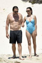 Penelope Cruz on the Beach in Italy 06/22/2021