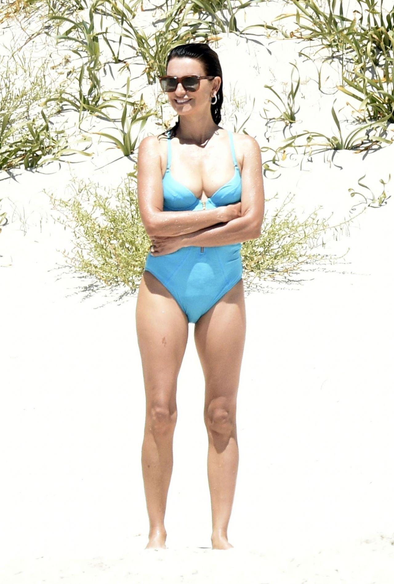 Penelope cruz body