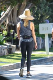 Reese Witherspoon - Out in Malibu 07/29/2021