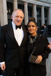 Salma Hayek and François-Henri Pinault - Arrives for the Dinner of the Balenciaga Fashion House in Paris 07/07/2021