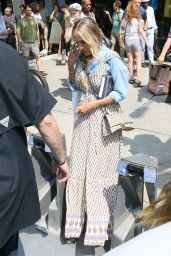 """Sarah Jessica Parker – """"And Just Like That"""" Filming Set in New York 07/27/2021"""