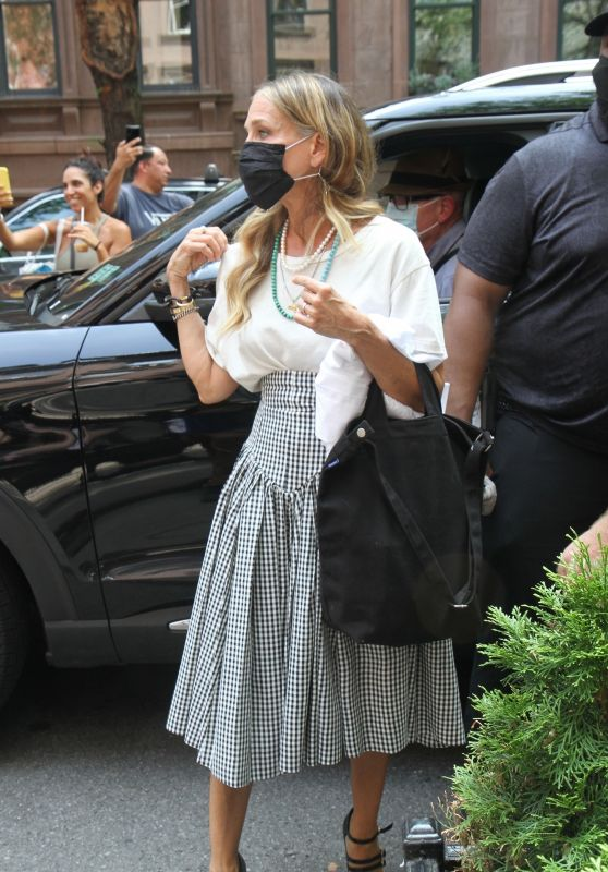 """Sarah Jessica Parker, Cynthia Nixon and Kristen Davis - The Cast of """"And Just Like That.."""" in NY 07/12/2021"""
