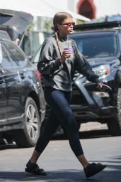 Sofia Richie - Melrose Place in West Hollywood 06/30/2021